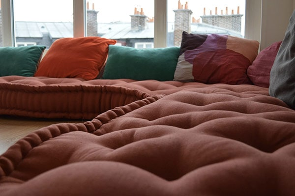 avantages et inconvénients du matelas en laine | surface capitonnée: inconvénient