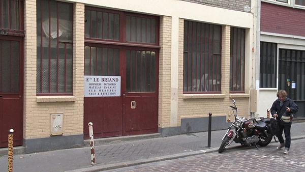 artisan matelassier paris 11 | cité de l'Ameublement | devanture des artisans matelassiers Le Briand